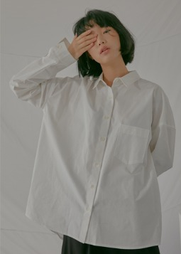 overfit relaxable shirt white